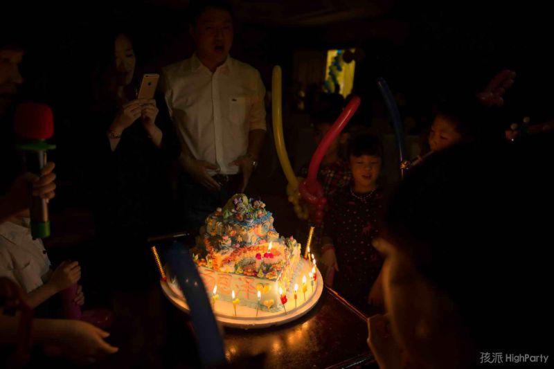 10岁生日趴漂亮的生日蛋糕